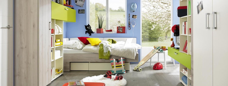 Jugenszimmer in grün, beige und Holz