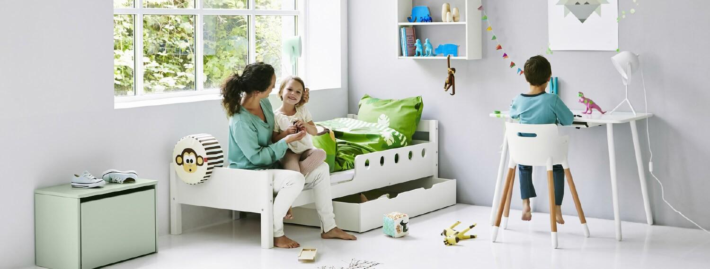 FLEXA Kinderzimmer mit Bett und Schreibtisch weiß