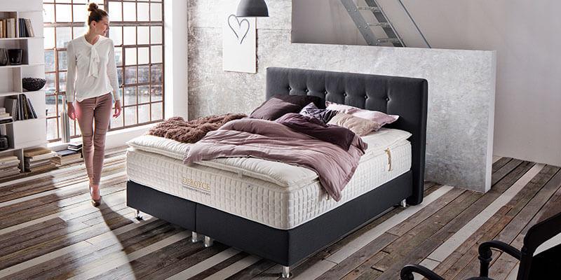 Schlafzimmer DeRoyce