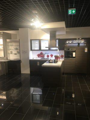 Küche schwarz Nobilia